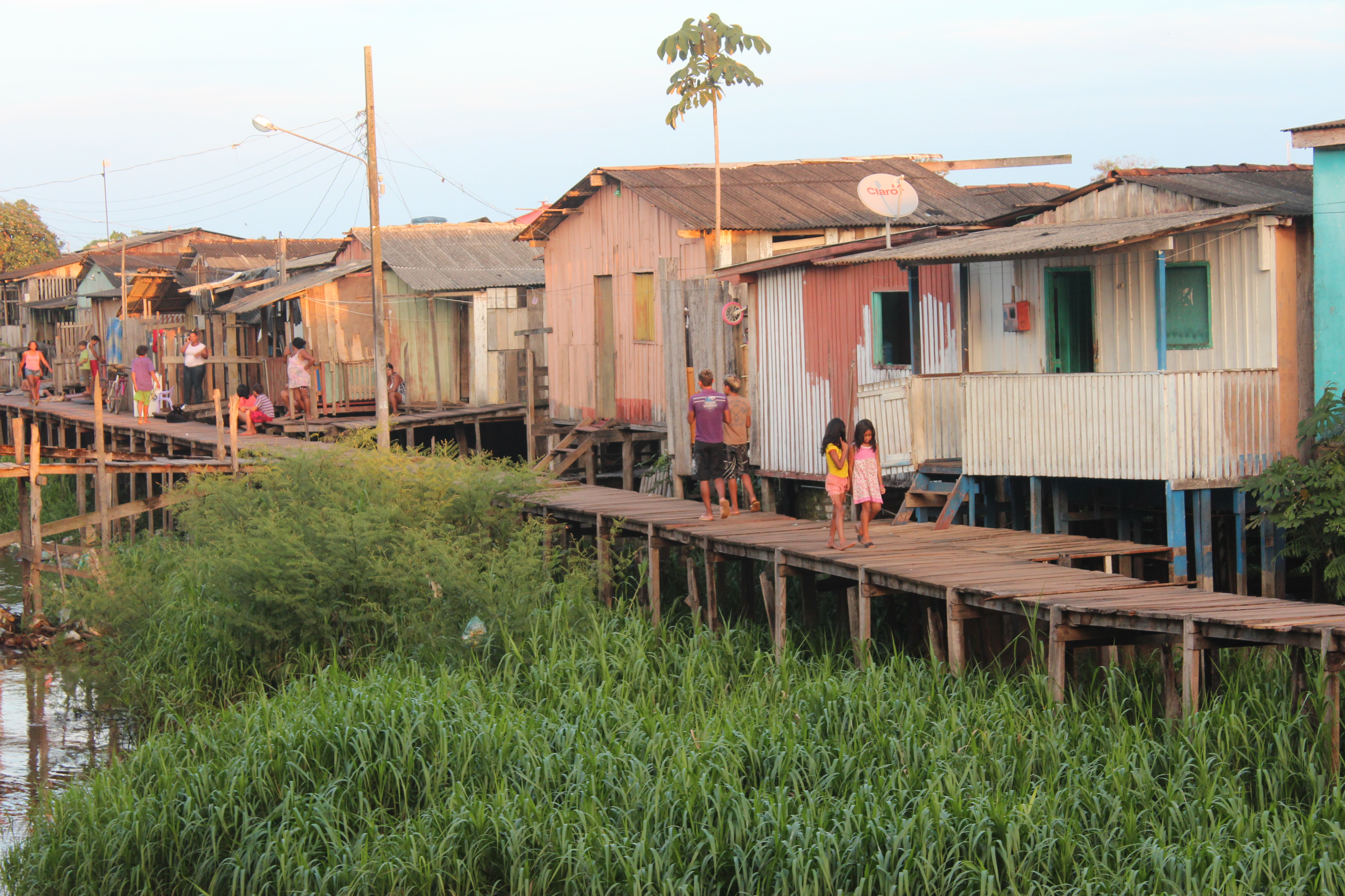 Palafitas -houses on stilts near the river, all of which will be inundated.